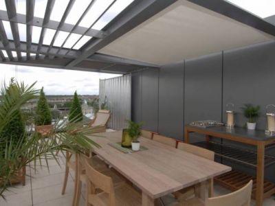 Vous êtes un professionnel et vous souhaitez une pergola sur votre toit ?
