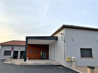 La mairie de Saint-Elix-Theux fait peau neuve avec Cunha et Castera